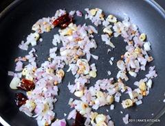 Keerai poriyal - Fry onion